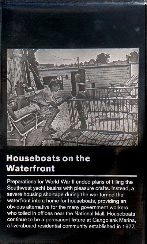 Houseboats on the Waterfront Marker image. Click for full size.