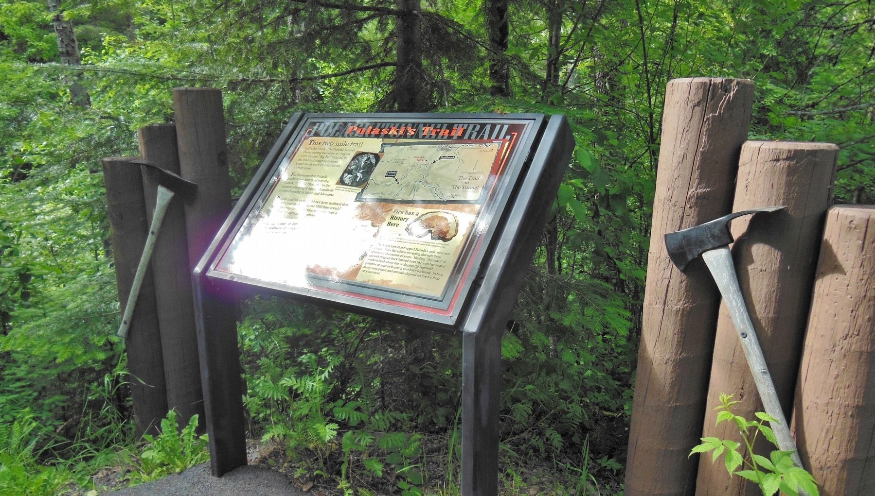 Pulaski&#39;s Trail Marker (<i>wide view</i>) image. Click for full size.