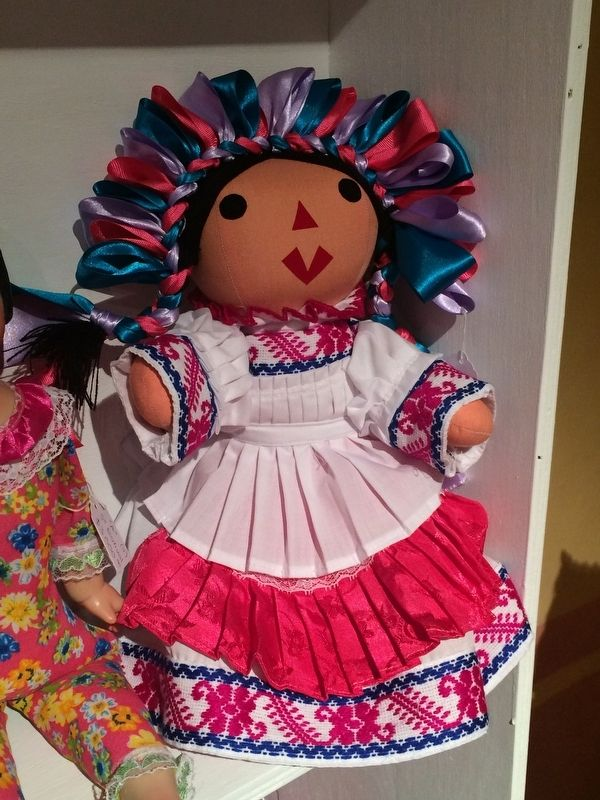 The municipality of Amealco is famous throughout Mexico for their handmade dolls image. Click for full size.