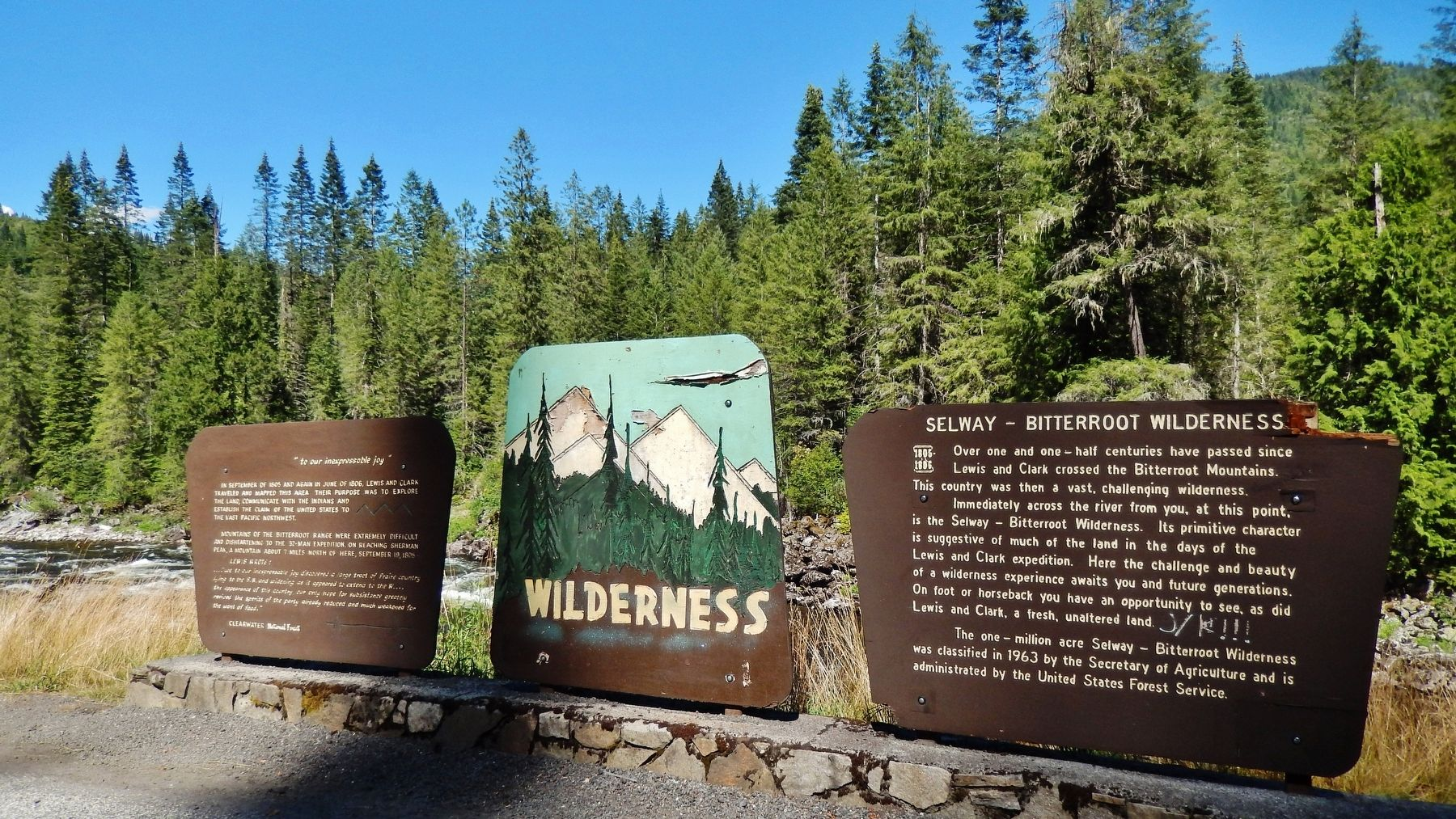 Selway - Bitterroot Wilderness Marker (<i>wide view showing adjacent marker</i>) image. Click for full size.