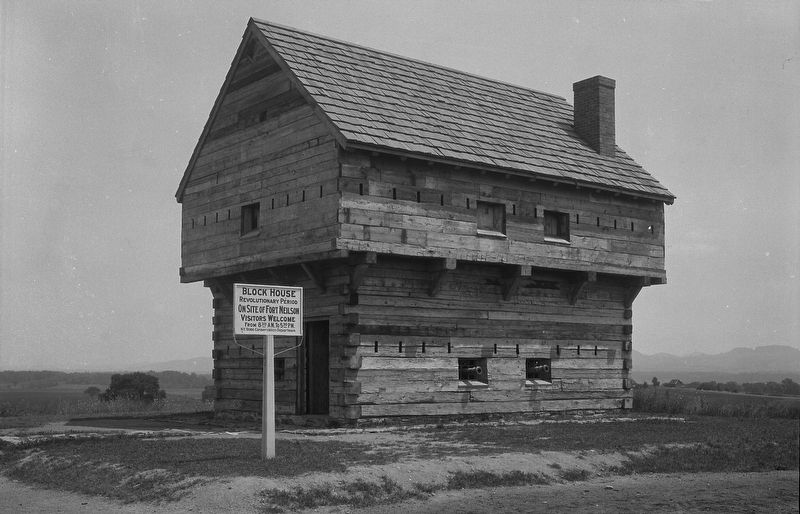 <center>Period blockhouse, Saratoga Battlefield</center> image. Click for full size.
