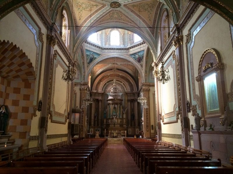 The interior of the Church of Saints Peter and Paul of La Cañada image. Click for full size.