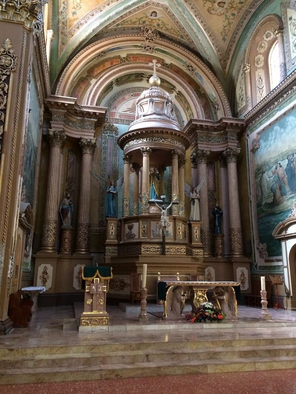 The altar of the Church of Saints Peter and Paul of La Cañada image. Click for full size.
