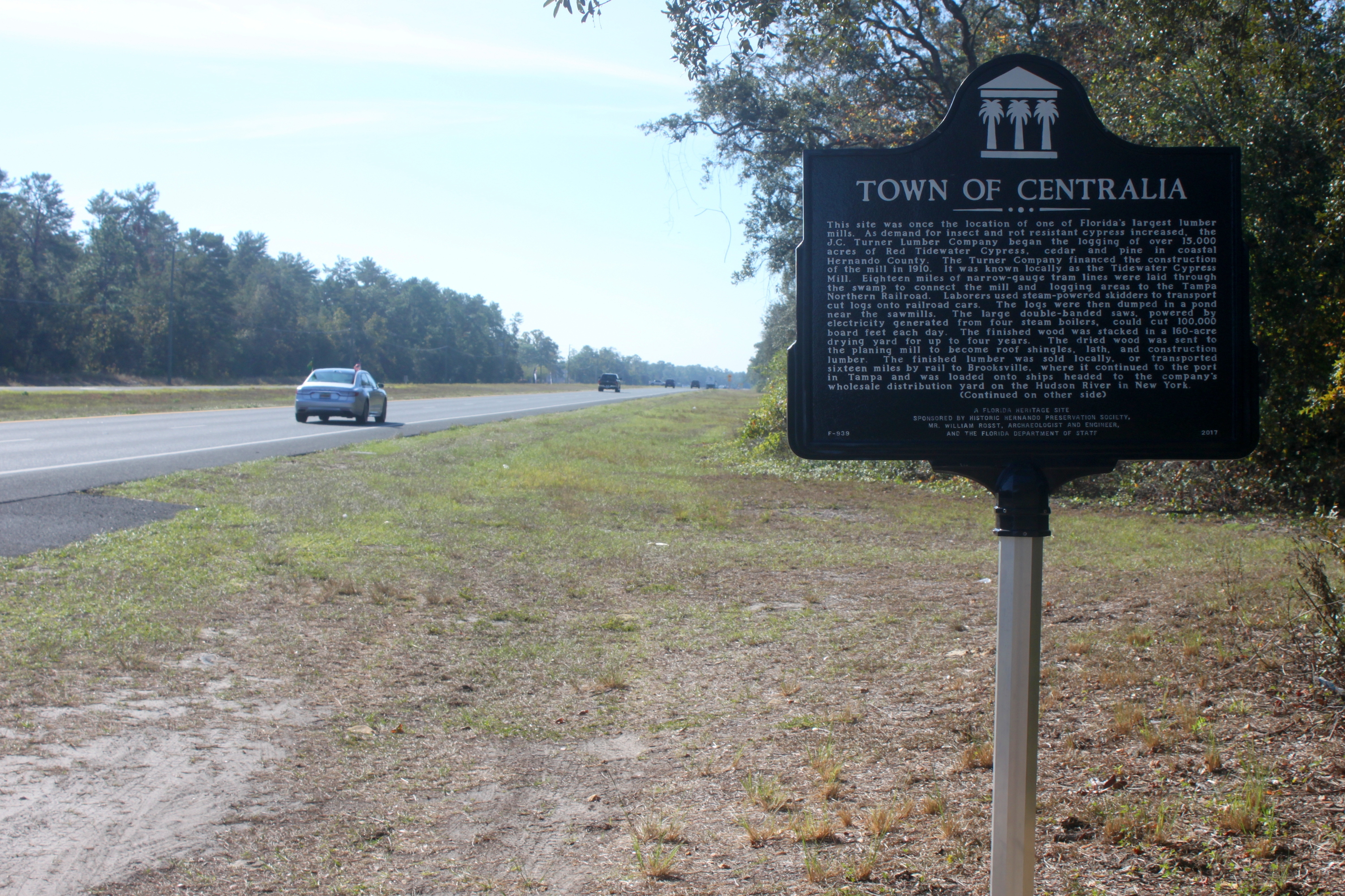 Town of Centralia Marker looking south on US 19