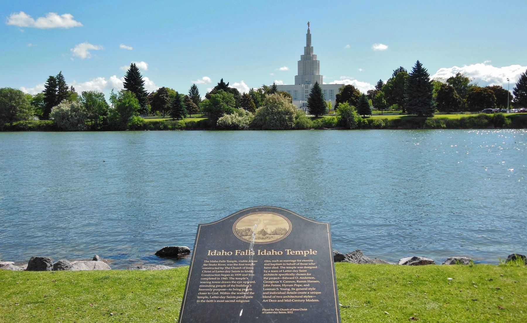 Idaho Falls Idaho Temple Marker (<i>wide view with Temple in the background</i>) image. Click for full size.