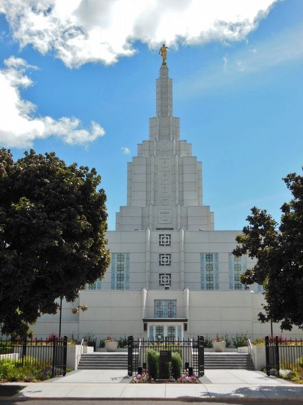 Idaho Falls LDS Temple Tower image. Click for full size.