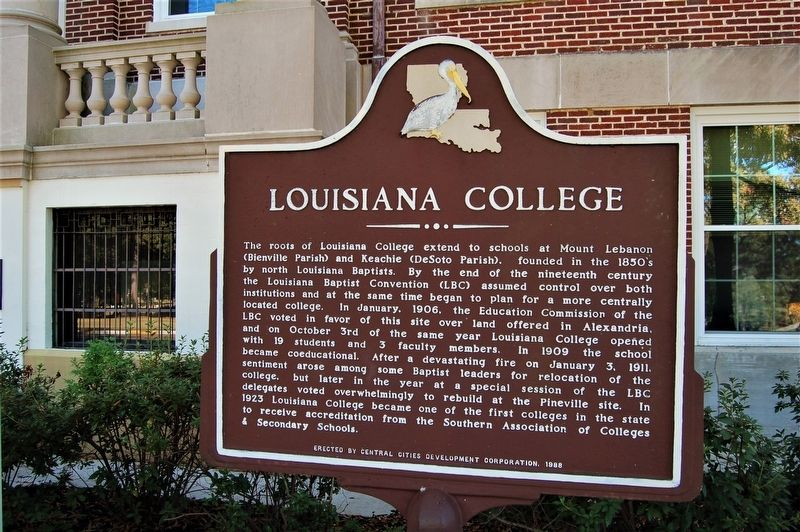 Louisiana College Marker image. Click for full size.
