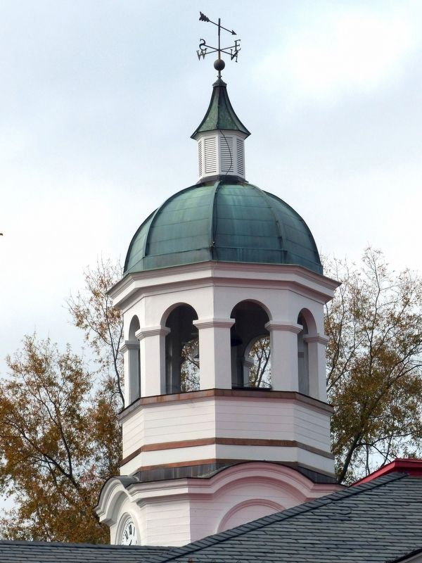 Loudoun County Courthouse Cupola image. Click for full size.