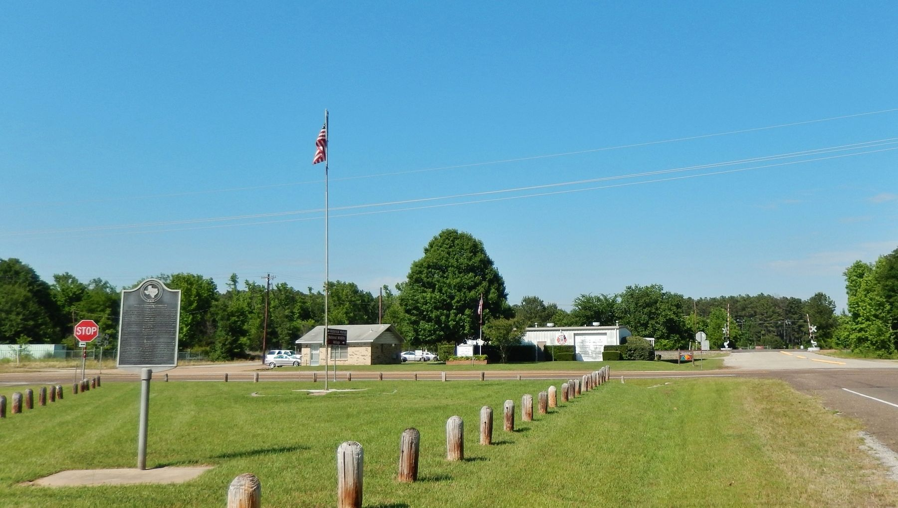 Home Town of Mrs. Lyndon B. Johnson Marker (<i>wide view</i>) image, Touch for more information
