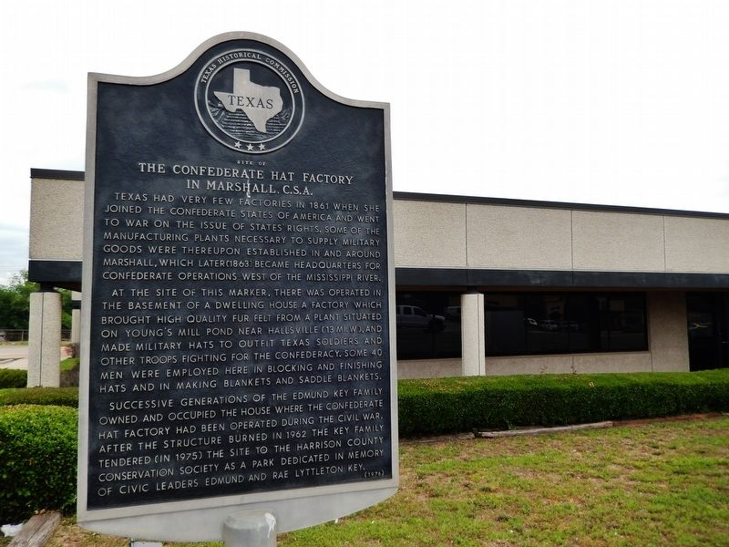 Site of The Confederate Hat Factory in Marshall, C.S.A. Marker (<i>wide view</i>) image. Click for full size.