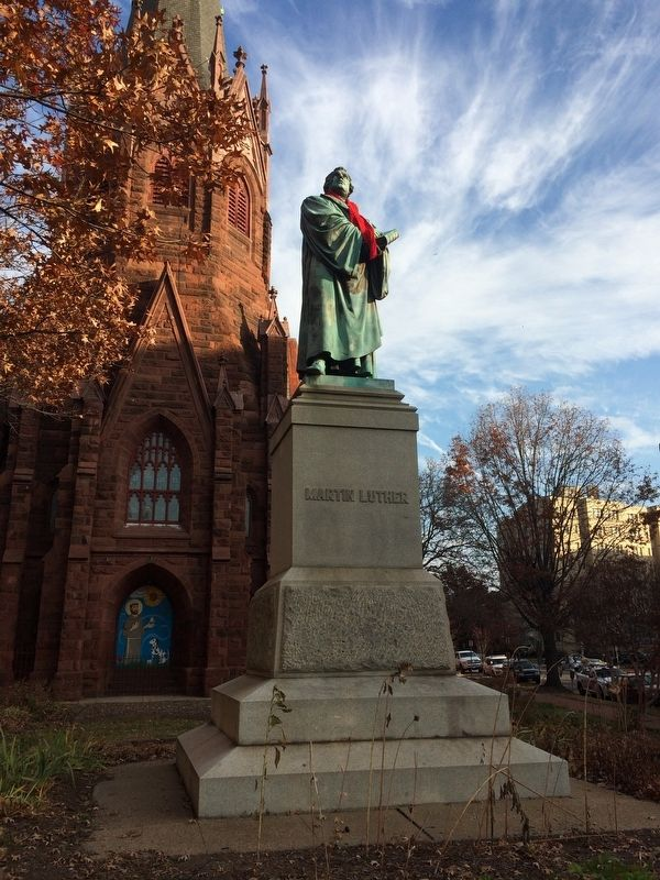 Martin Luther Statue in front of Luther Place Memorial Church image. Click for full size.