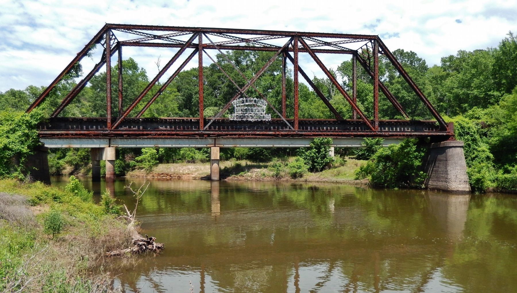 Railroad Trestle over Big Cypress Bayou - Welcome to Jefferson image. Click for full size.