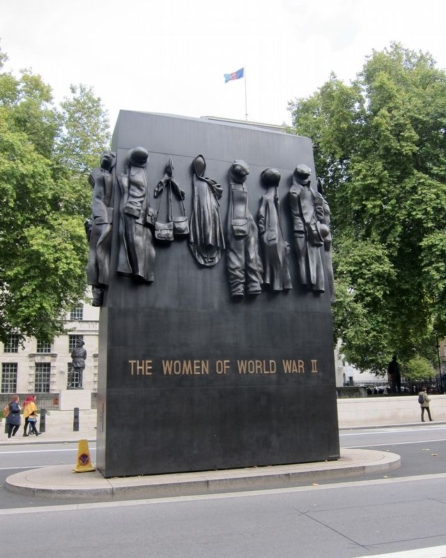 Monument to the Women of World War II - View from West Side of Whitehall image. Click for full size.