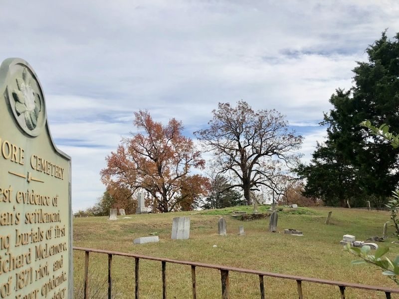 McLemore Cemetery image. Click for full size.
