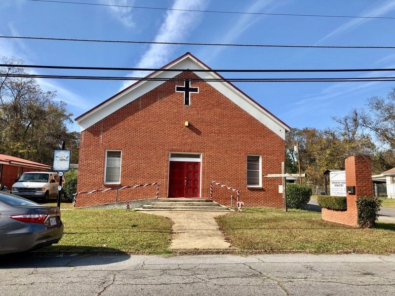 Former Old Mt. Olive Missionary Baptist Church. image. Click for full size.