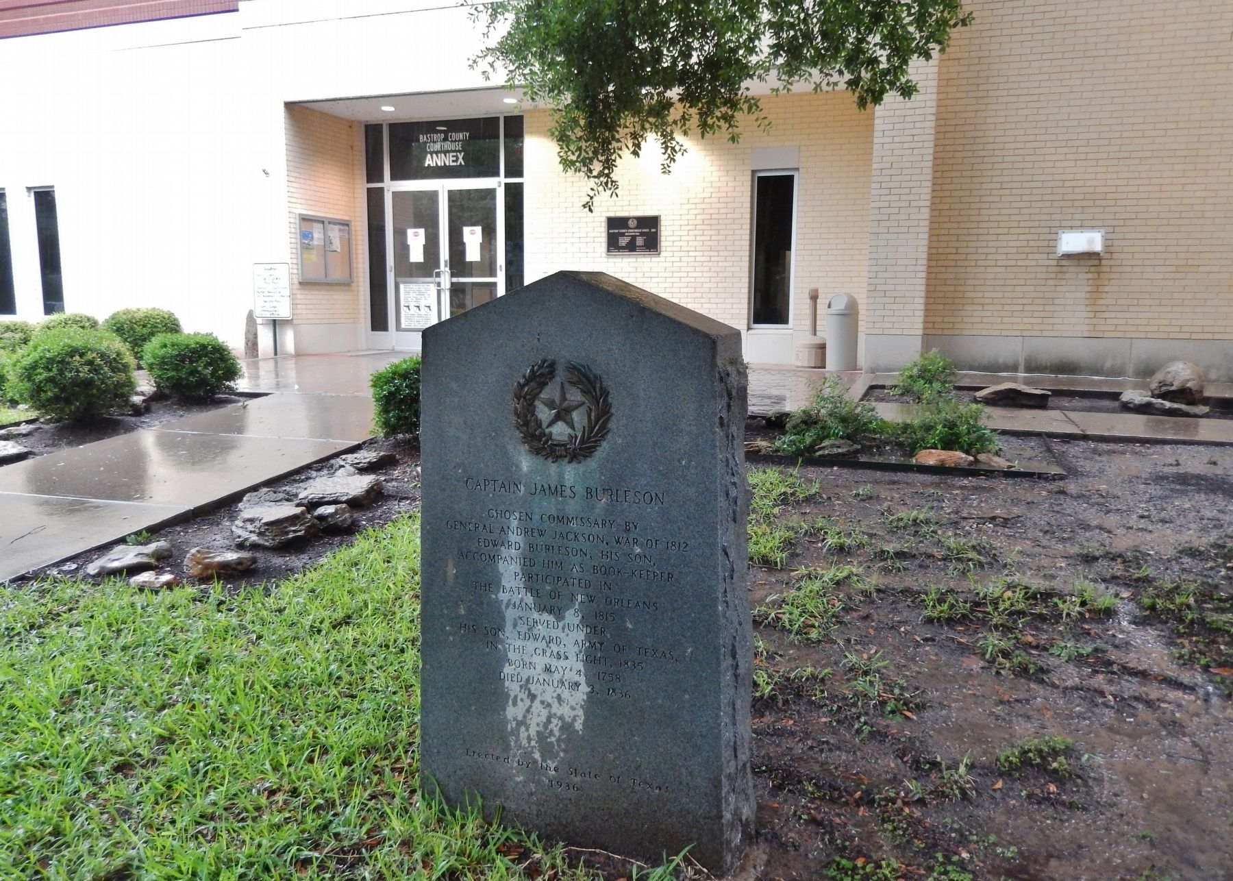 Captain James Burleson Marker (<i>wide view; Bastrop County Courthouse in background</i>) image. Click for full size.