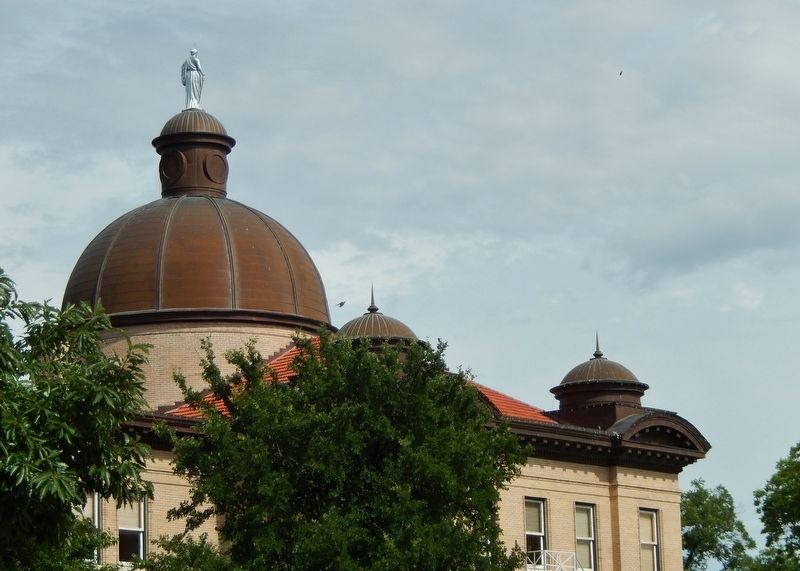 Hays County Courthouse (<i>dome</i>) image. Click for full size.