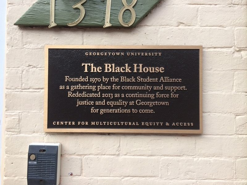 The Black House Marker image. Click for full size.