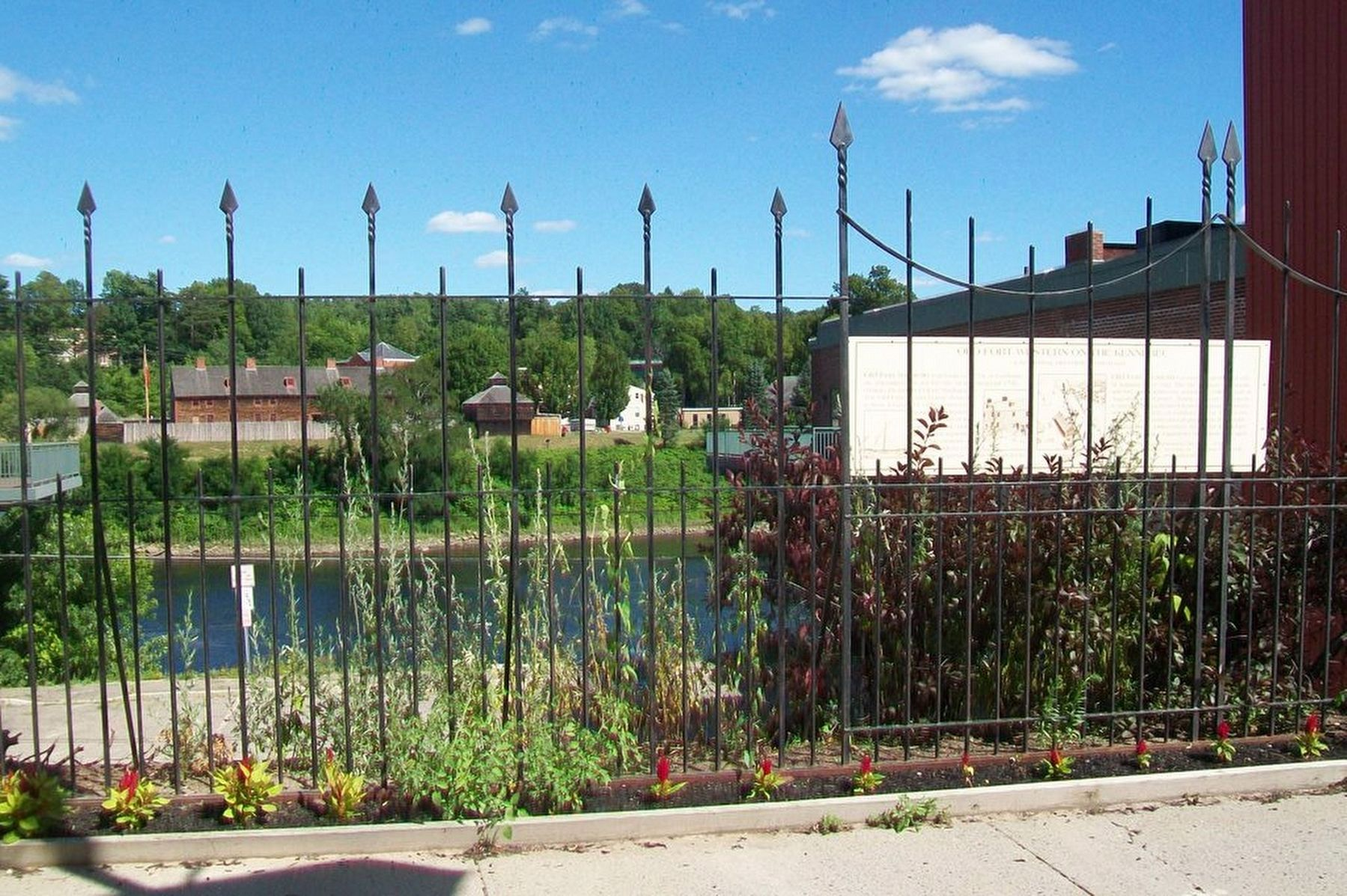 Old Fort Western on the Kennebec and Marker image. Click for full size.