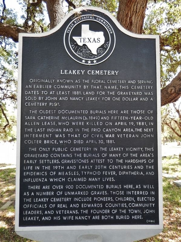 Leakey Cemetery Marker image. Click for full size.