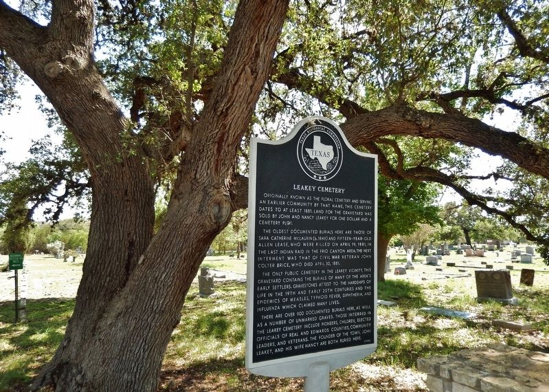 Leakey Cemetery Marker (<i>wide view</i>) image. Click for full size.