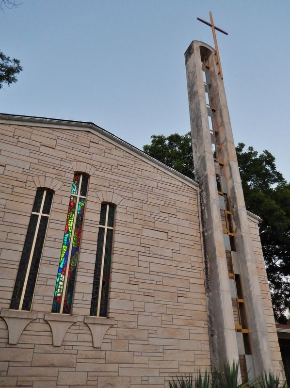 First Presbyterian Church of Uvalde image. Click for full size.