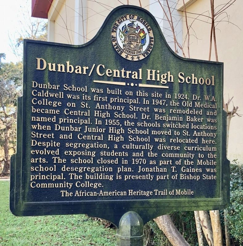 Dunbar/Central High School Marker image. Click for full size.