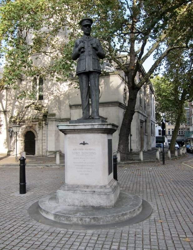 Air Chief Marshal Lord Dowding Memorial and Marker image. Click for full size.