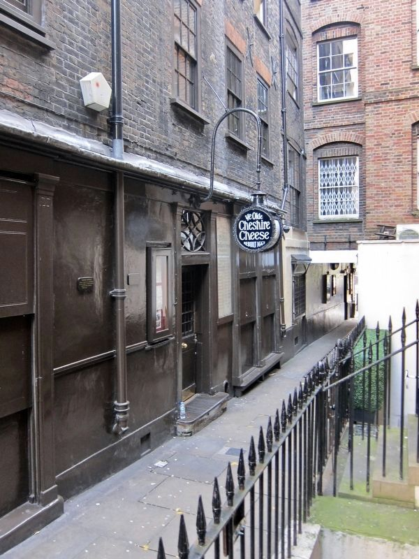 Ye Olde Cheshire Cheese Marker - Wide View image. Click for full size.