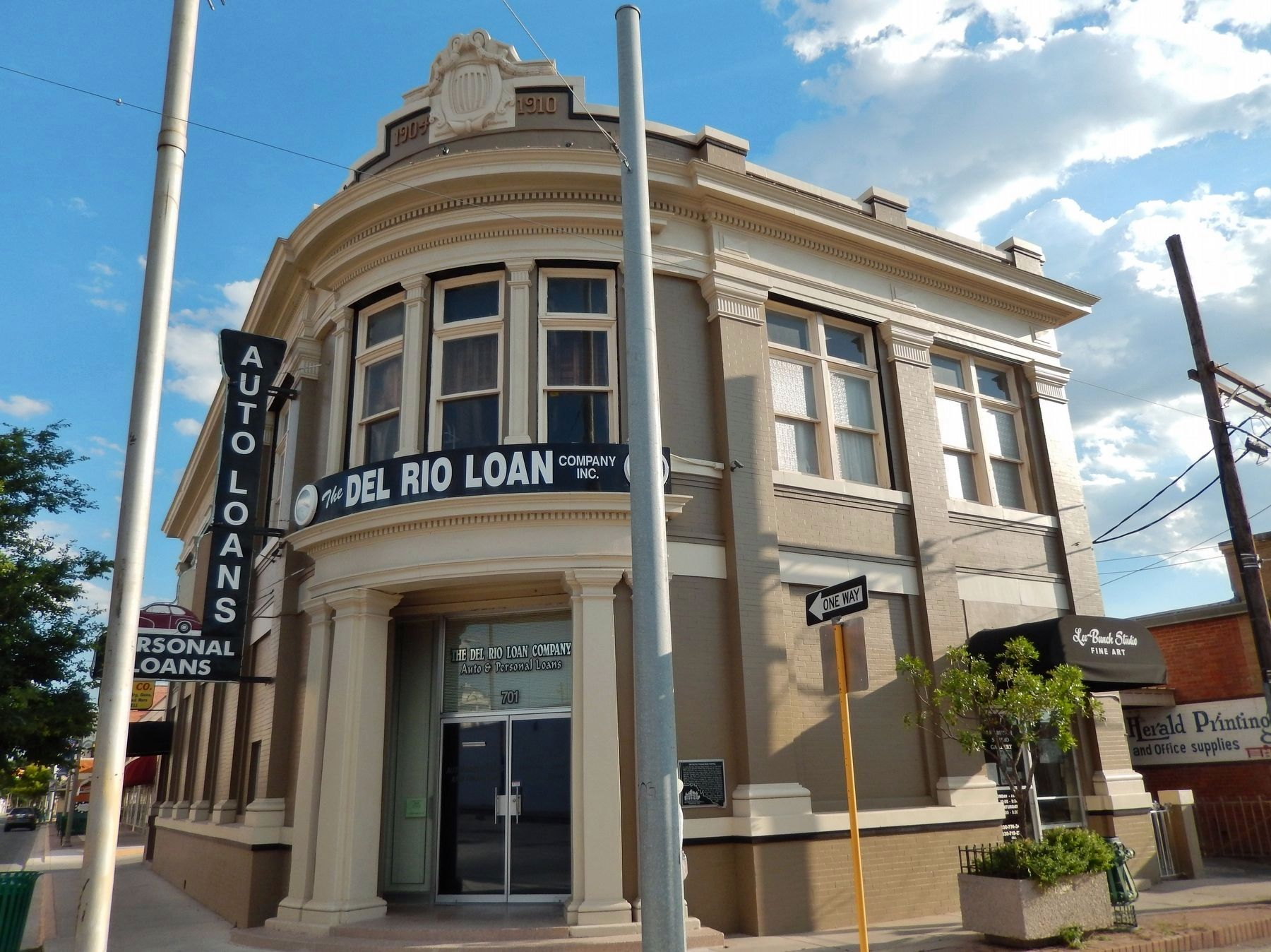Old Del Rio National Bank Building (<i>front view</i>) image. Click for full size.