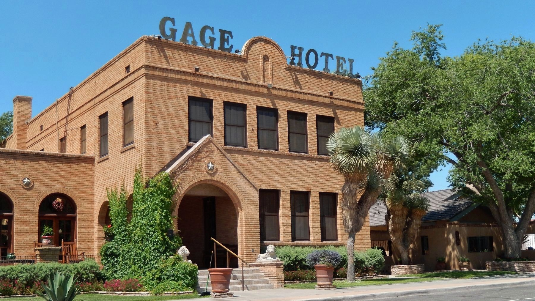The Gage Hotel (<i>wide view</i>) image. Click for full size.