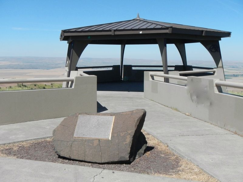 Deadman Pass Lookout and Oregon Scenic Highways Marker image. Click for full size.
