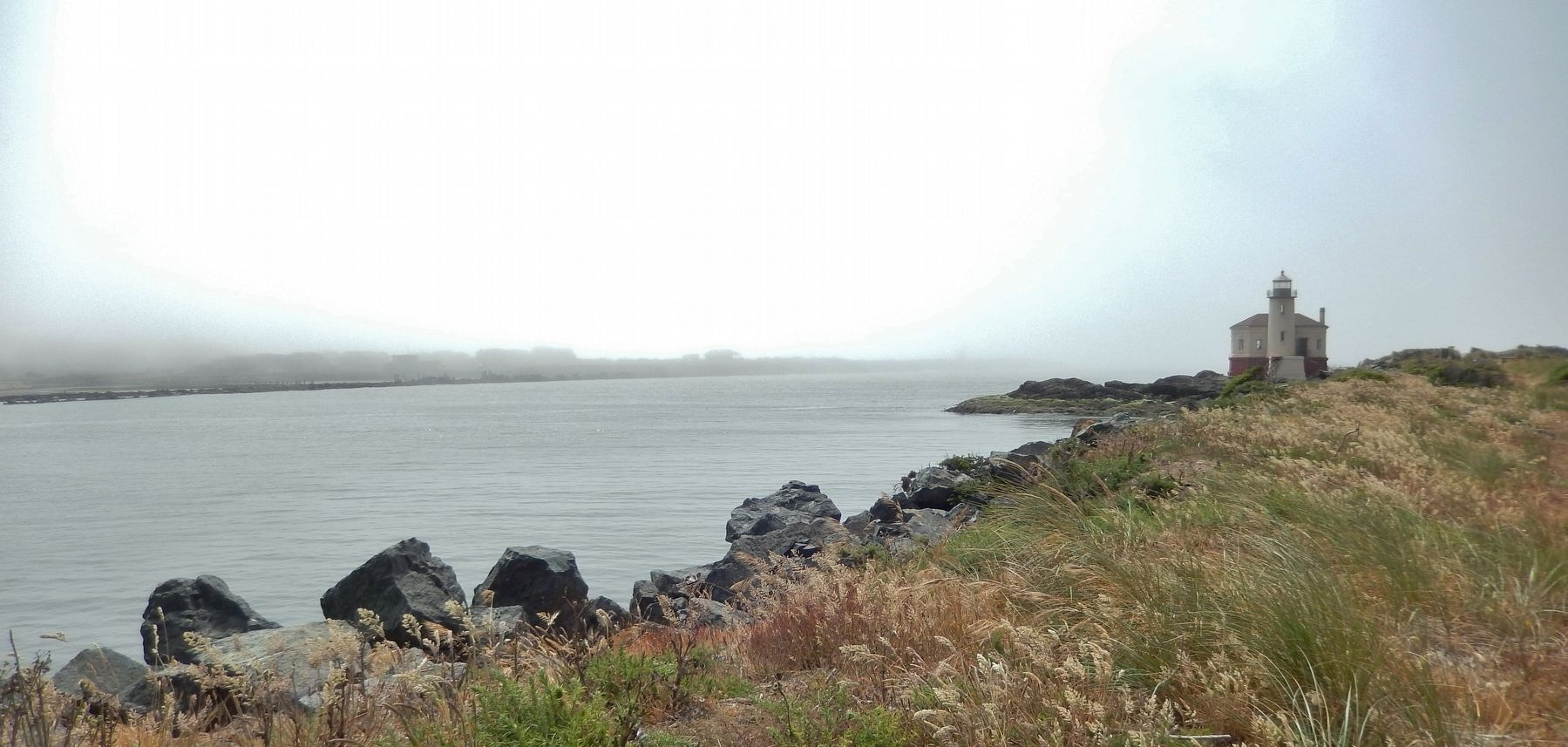 Coquille River Lighthouse (<i>morning fog</i>) image. Click for full size.