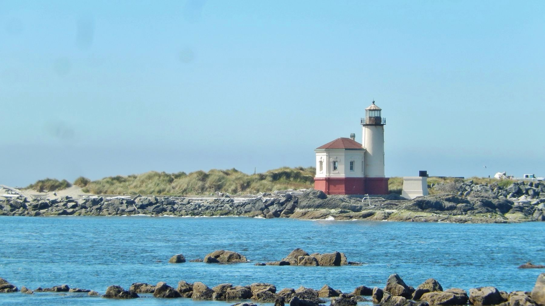 Coquille River Lighthouse (<i>south side; from across Coquille River mouth</i>) image. Click for full size.