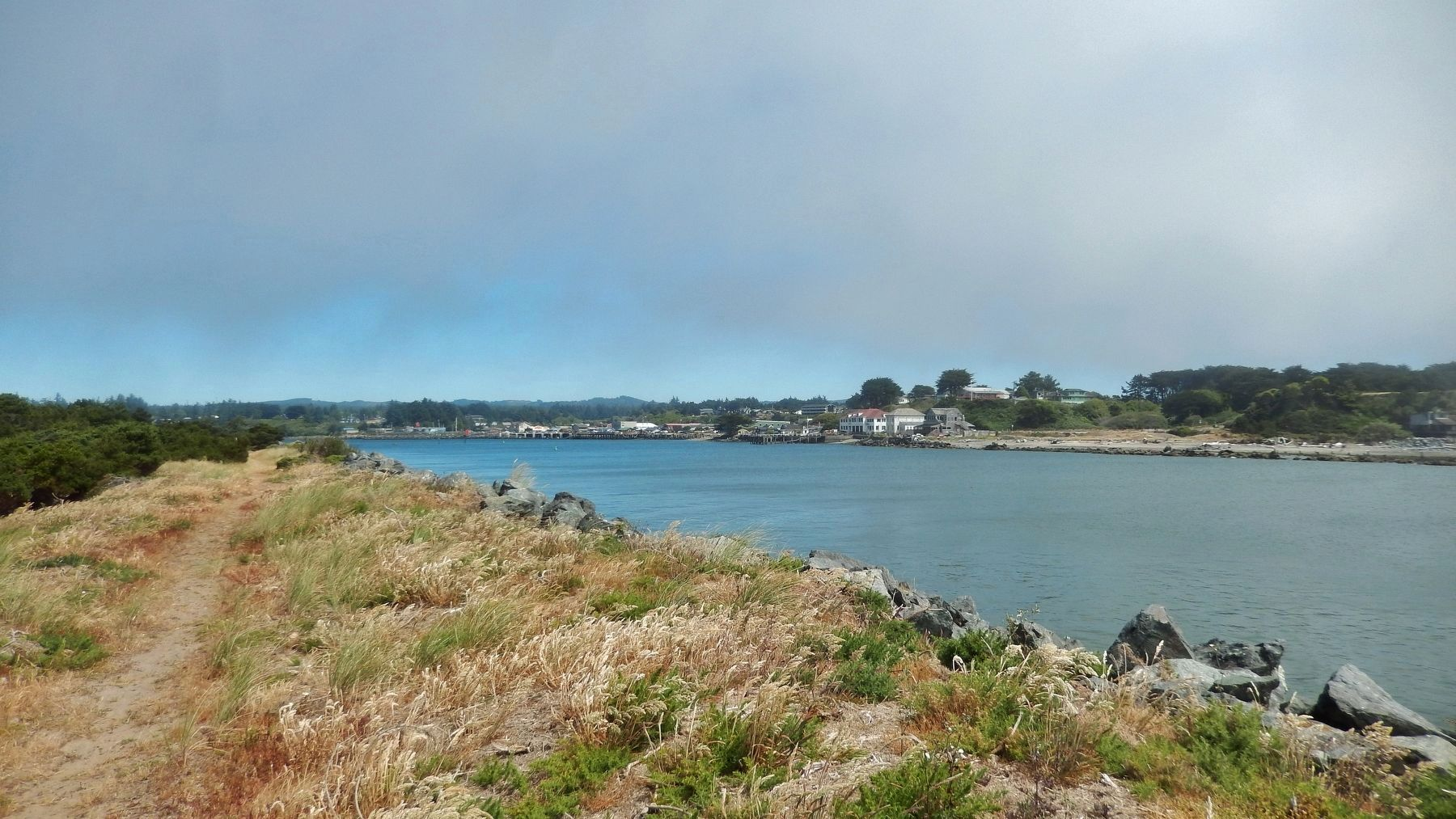 Coquille River (<i>view northwest from lighthouse</i>) image. Click for full size.