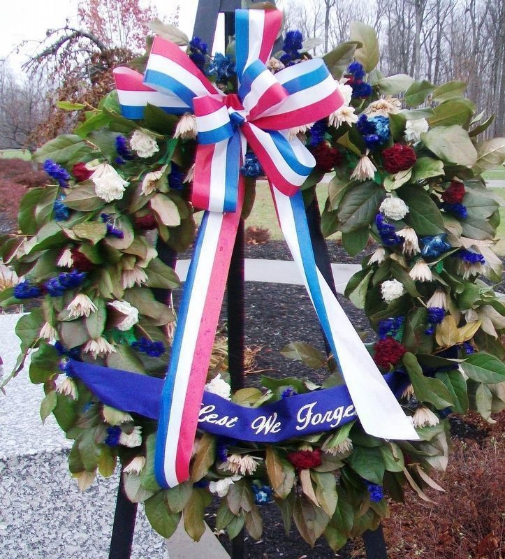 Veterans Day Memorial Wreath at Military Mountaineers Monument image. Click for full size.