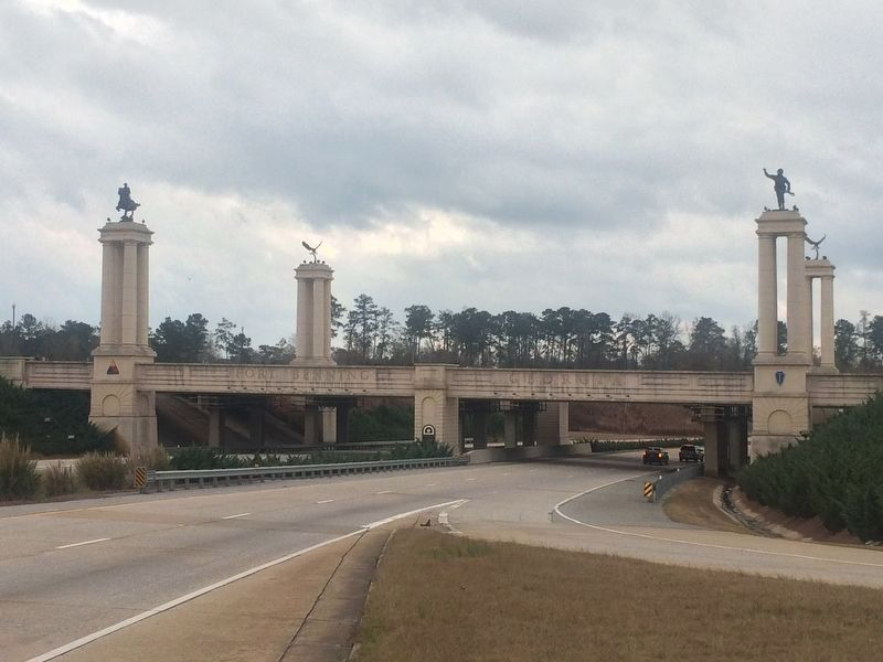 The Fort Benning Gateway at Interstate 185 and Victory Road image. Click for full size.