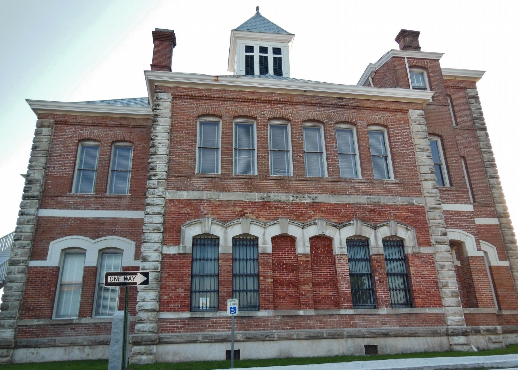 Grimes County Courthouse (<i>east side</i>) image. Click for full size.