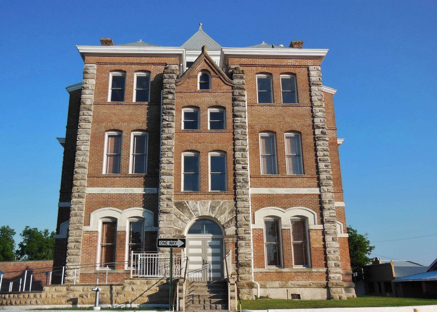 Grimes County Courthouse (<i>north side</i>) image. Click for full size.