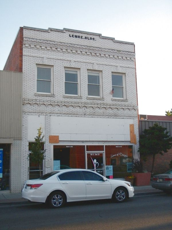 Lemke Building and Marker image. Click for full size.