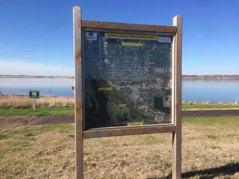 Lewis & Clark Interpretive Trail 1 image. Click for full size.