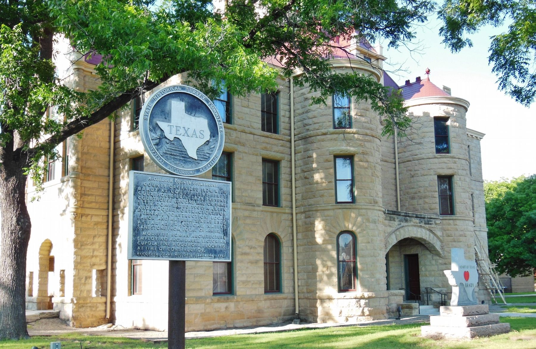 McCulloch County Courthouse Marker (<i>wide view</i>) image. Click for full size.