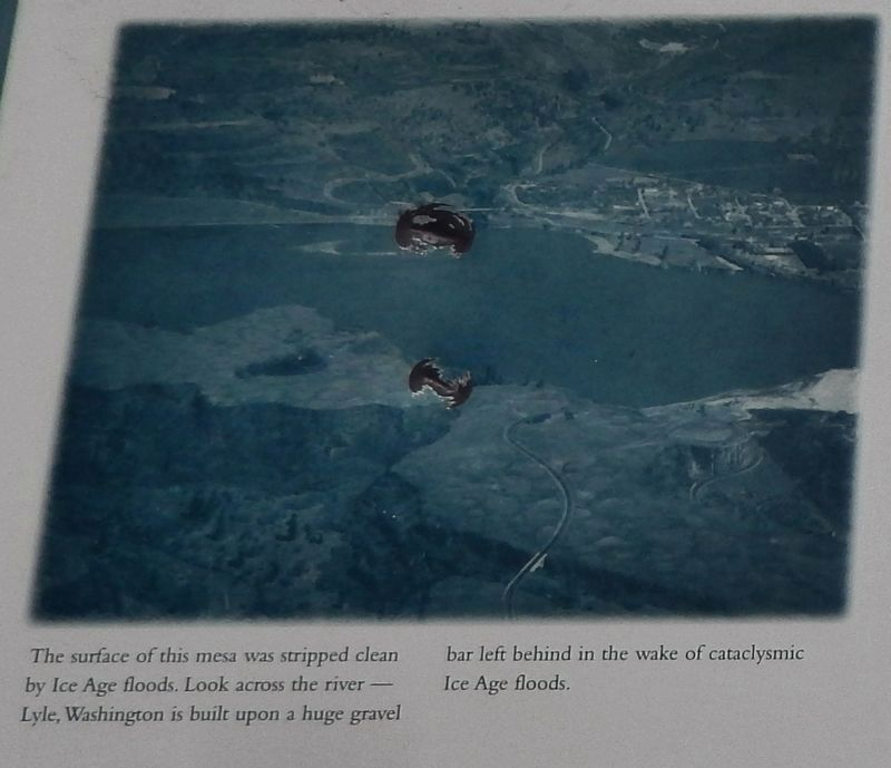 Rowena Crest - Ice Age Floods Marker (<i>inset detail</i>) image. Click for full size.