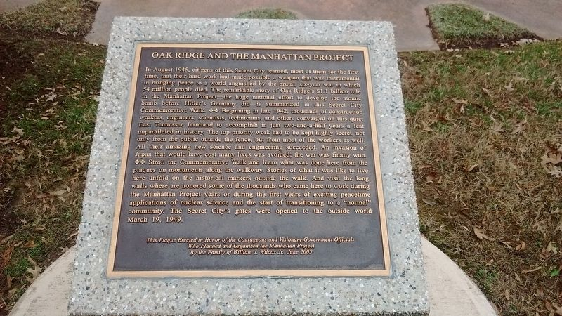 Oak Ridge and the Manhattan Project Marker image. Click for full size.