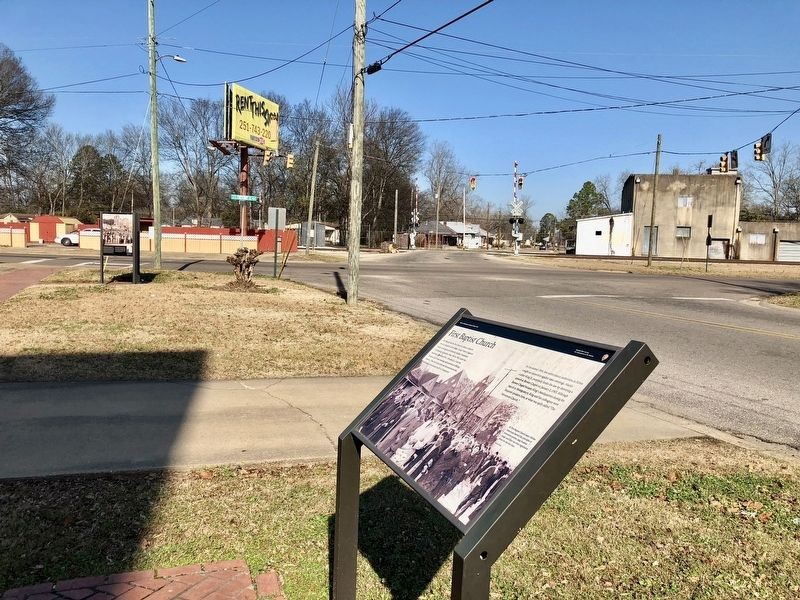 View from marker north towards intersection of Chestnut Boulevard and Martin Luther King Street. image. Click for full size.