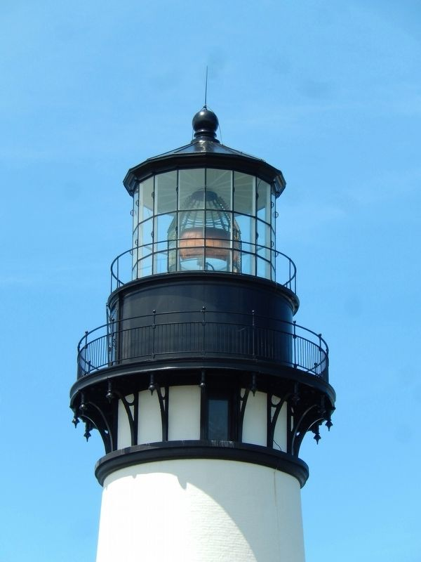 Yaquina Head Lighthouse Top, Lens & Lantern image. Click for full size.