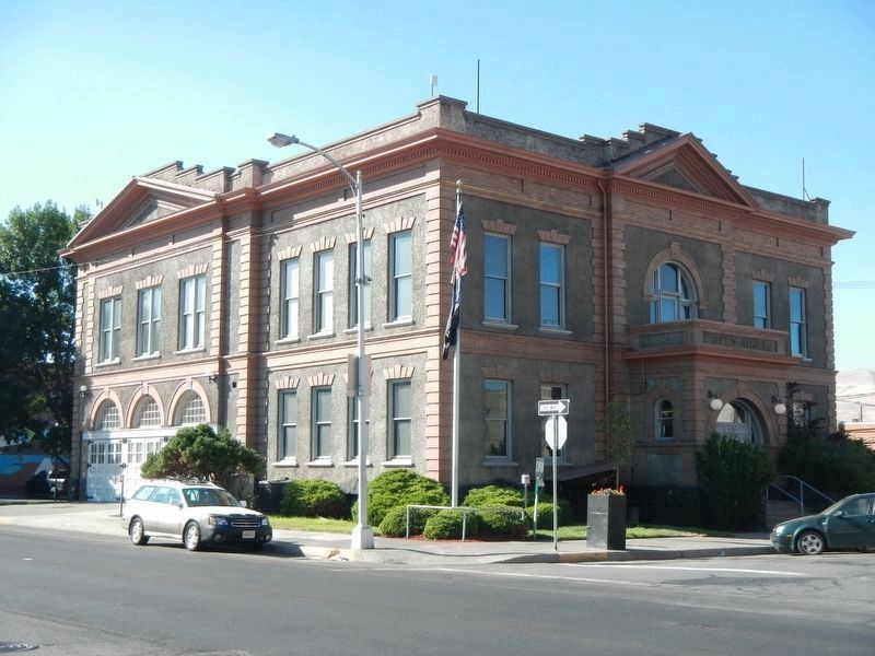 The Dalles City Hall image. Click for full size.