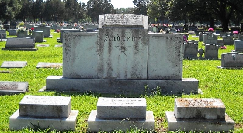 The Andrews family cemetery plot. image. Click for full size.