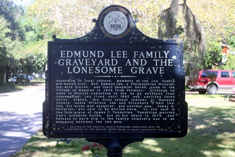 Edmund Lee Family Graveyard and the Lonesome Grave side of marker image. Click for full size.