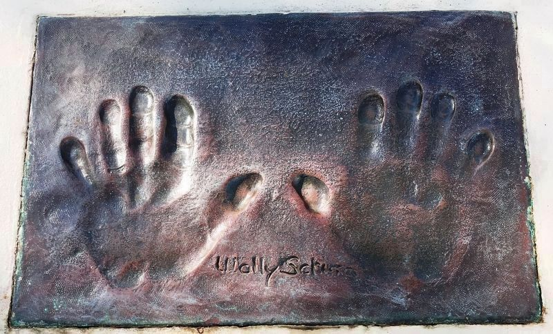 Walter Marty Schirra,Jr.Handprints Marker image. Click for full size.